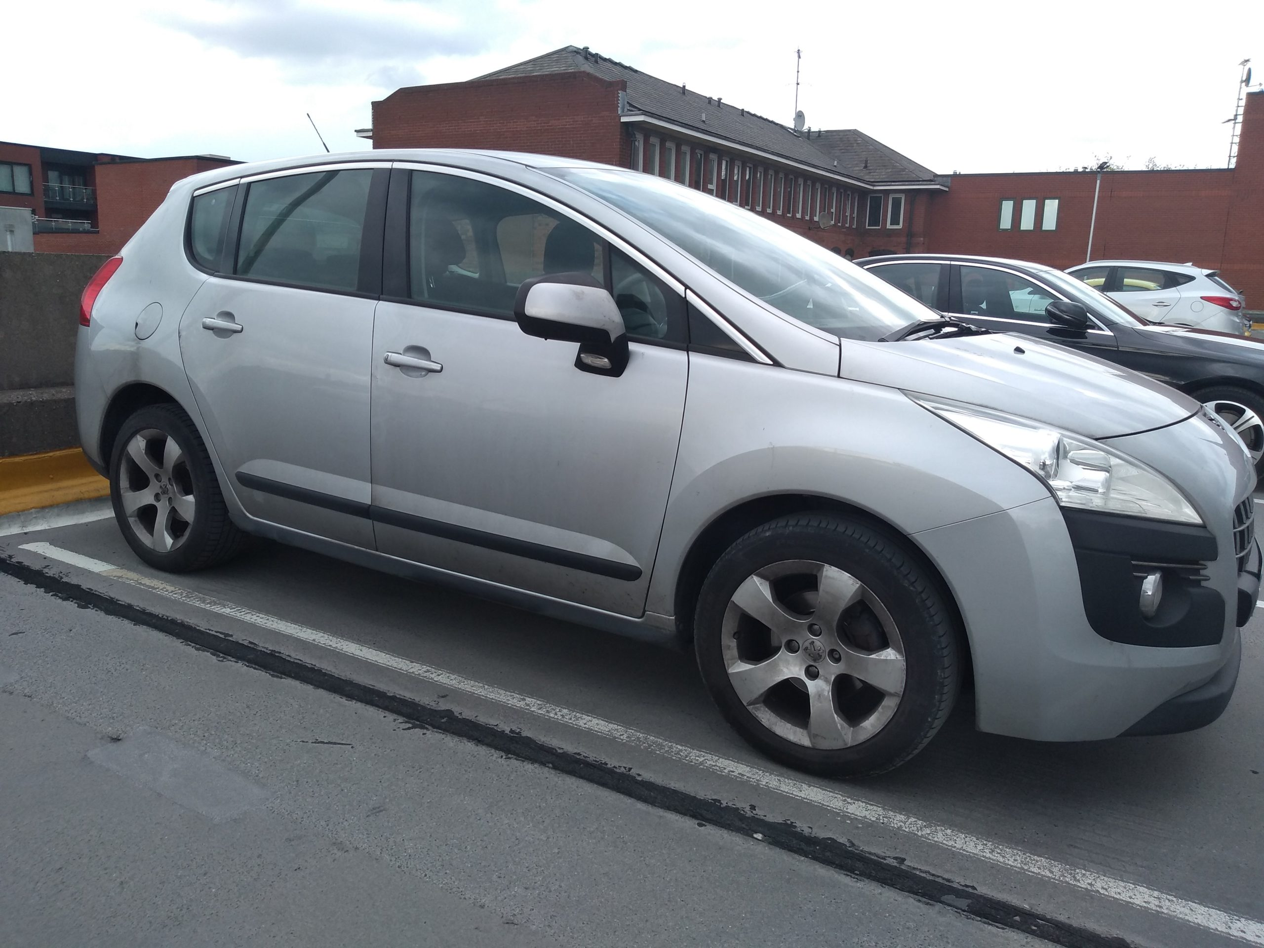 Peugeot 3008: A bloody awful car - Why you shouldn't buy one.